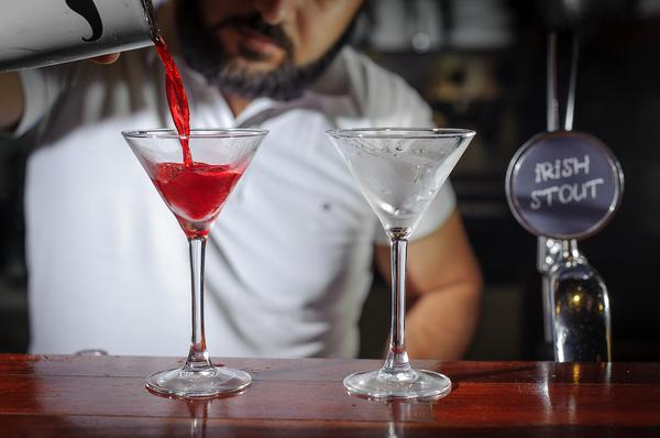 Jakich akcesoriów używa barman?
