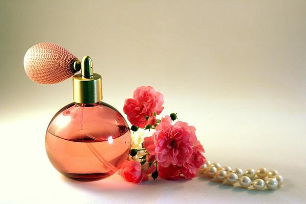 Delikatne perfumy lane dla każdego
