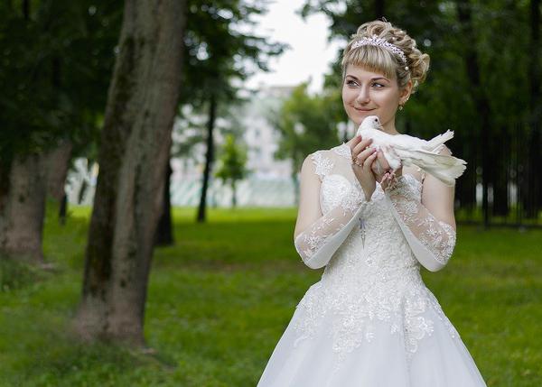 Jaka sukienka ślubna pasuje dla puszystych?