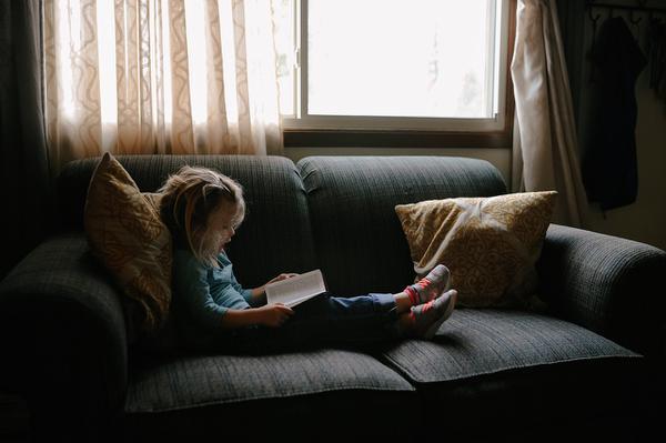 Urocza kanapa dziecięca