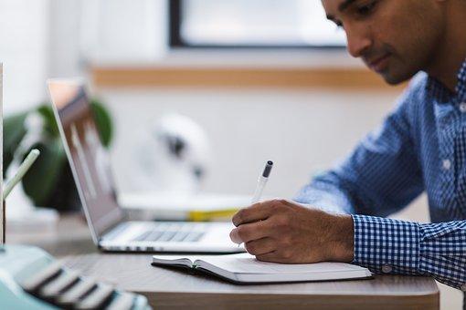 Jak mierzyć czas pracy pracownika?