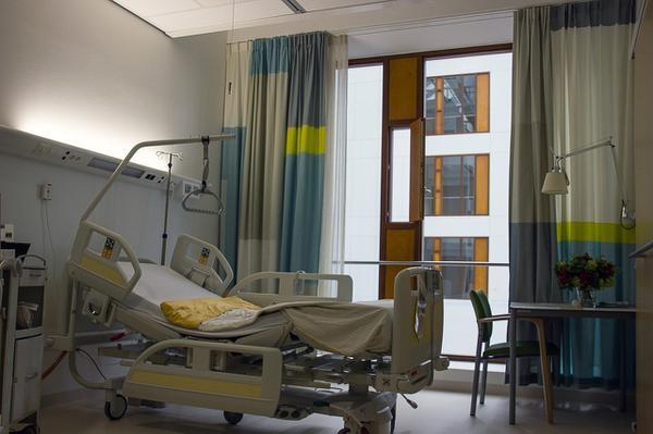 solidne pasy unieruchamiające pacjenta