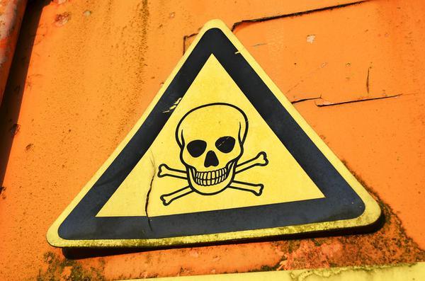 Znaki ostrzegawcze do zakładu przemysłowego